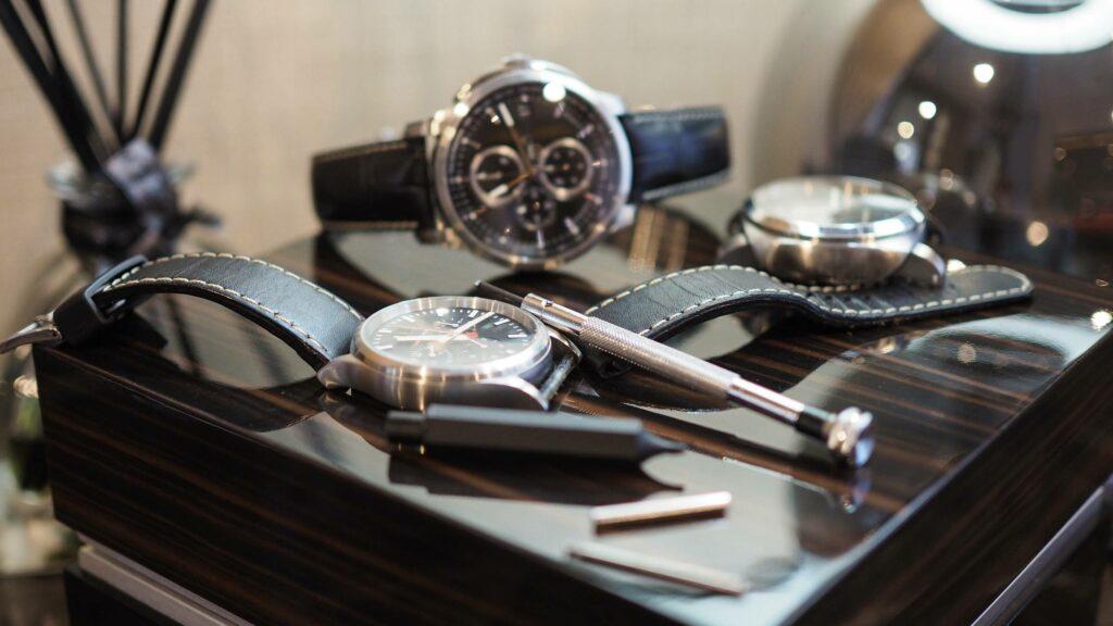 revendre objets de luxe montre homme
